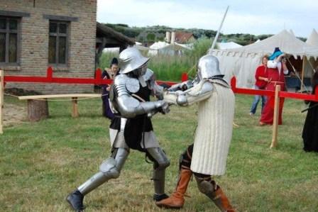 Duel à l'épée lors du tournoi des écuyers de Walraversijde