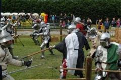 Combat de masse - Mêlée lors d'une joute à pieds