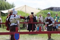 Début d'un duel à l'épée